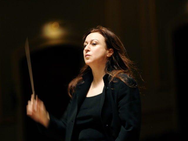 Maestro Simone Young