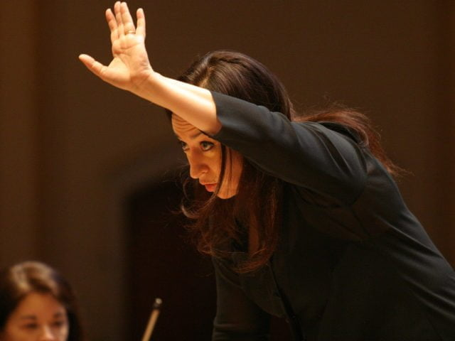 Maestro Simone Young - photo Klaus Lefebvre